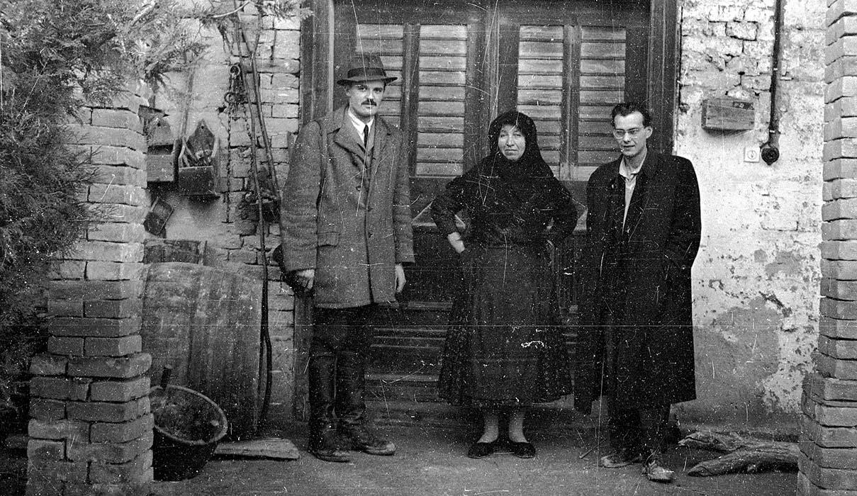 Bertalan Andrásfalvy, a woman from Báta, and György Martin.