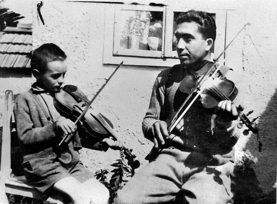 Imre Bokor studies with Gyimes local János Zerkula; 1960s
